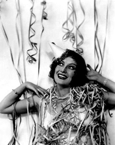 Joan Crawford rings in the New Year - c Late 1920s_thumb[3]